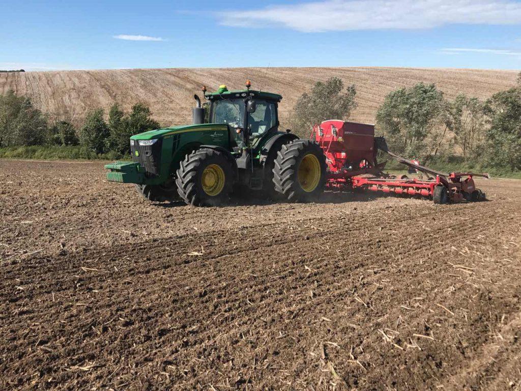 hectare per tractor